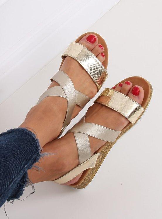 Sandałki damskie złote AM042 GOLD
