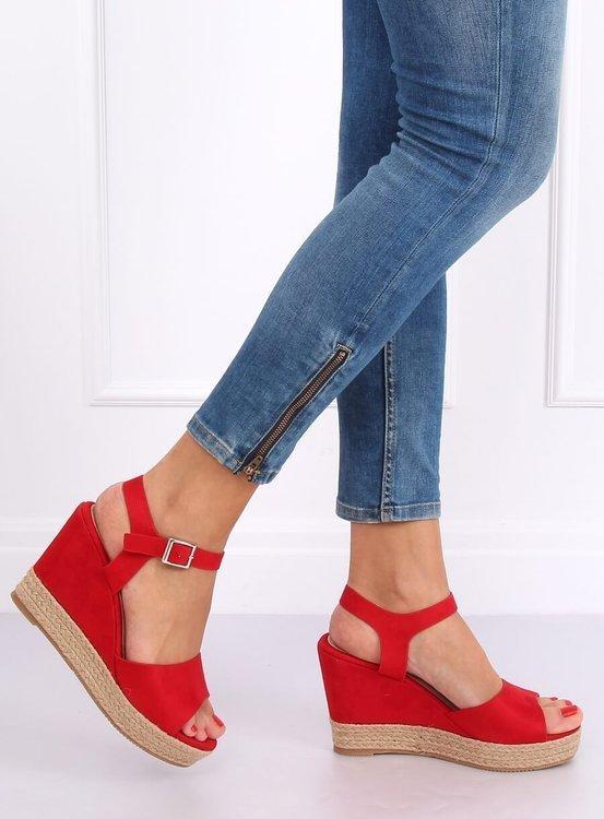 Sandałki na koturnie czerwone 9R195 RED