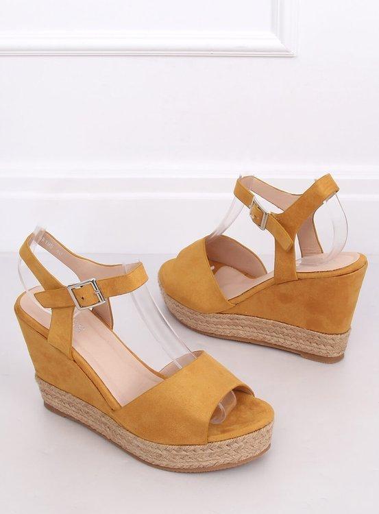 Sandałki na koturnie miodowe 9R195 YELLOW
