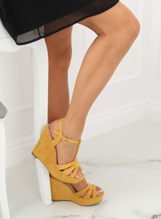 Sandałki na koturnie żółte A208 YELLOW