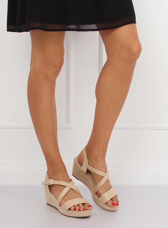 Sandałki na niskim koturnie beżowe K-3 BEIGE