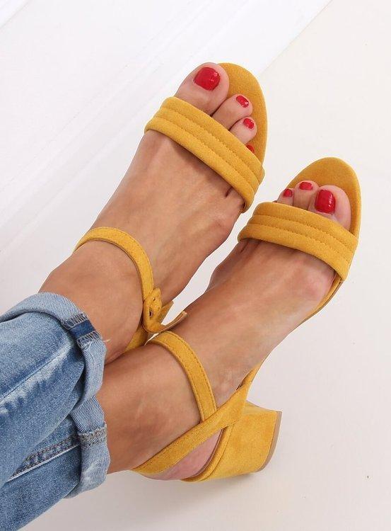 Sandałki na obcasie miodowe 99-61A YELLOW