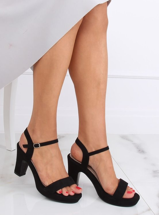 Sandałki na słupku czarne NS032P BLACK