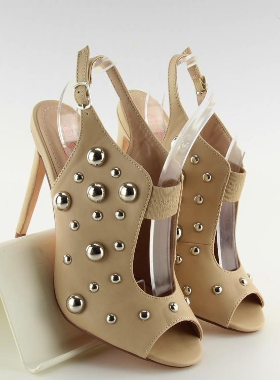 Sandałki z ćwiekami beżowe 708-11 BEIGE