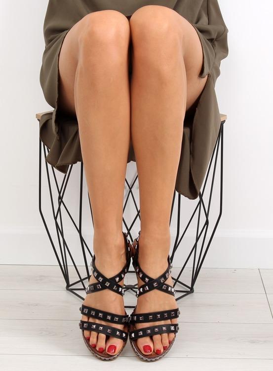 Sandałki z ćwiekami czarne WL193 BLACK