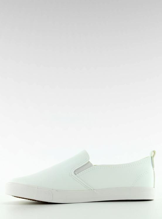 Slipony z delikatnym haftem białe g1204a WHITE