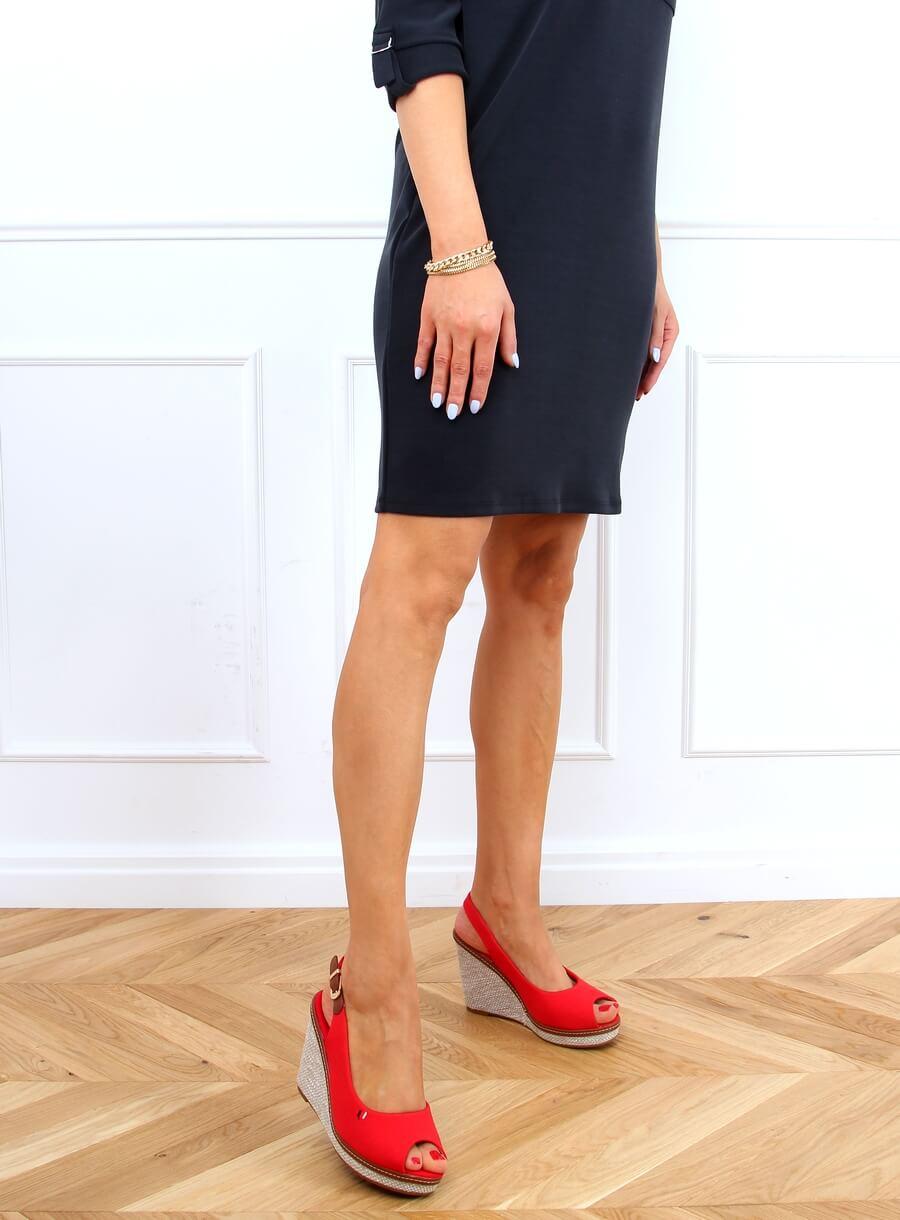 Sandále na béžovom kline červené
