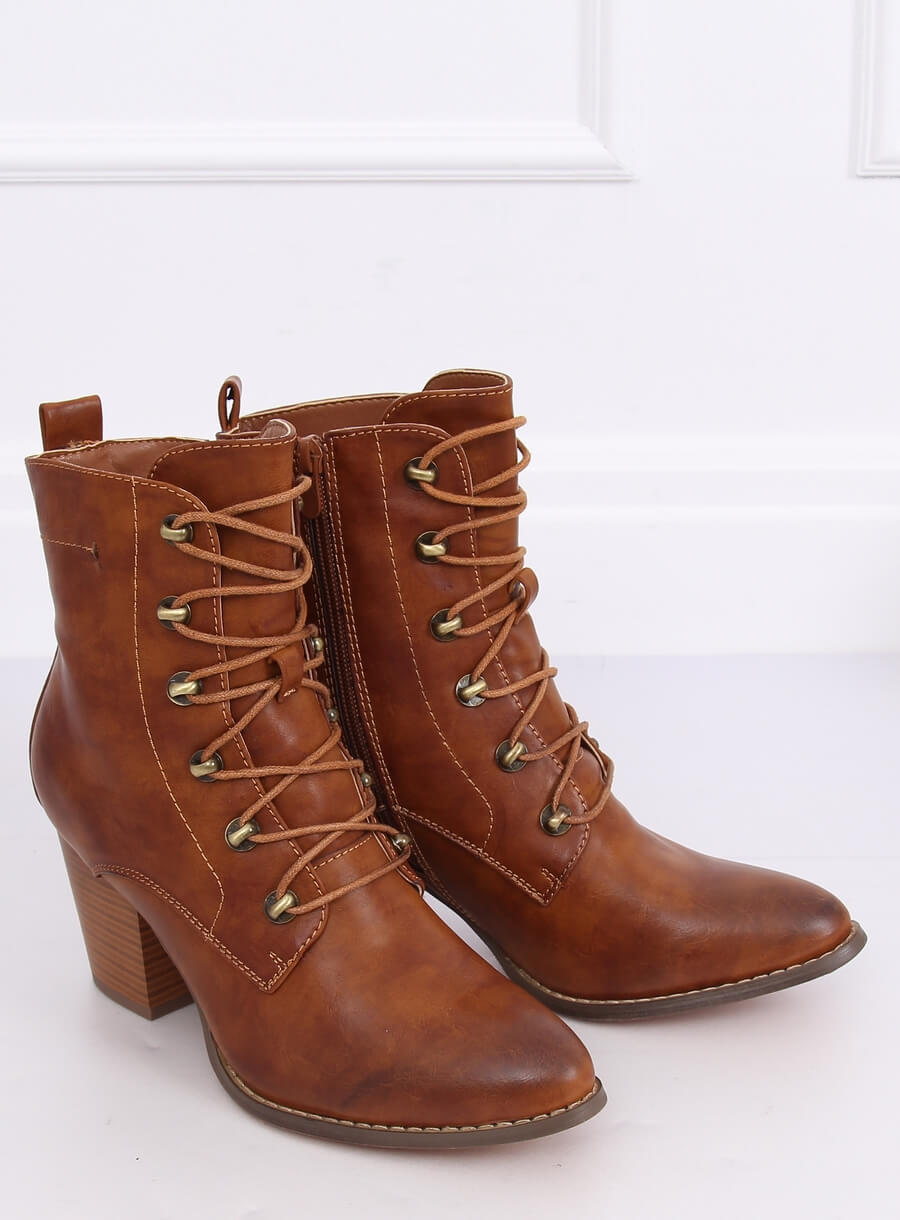 Šnurovacie topánky karamelové