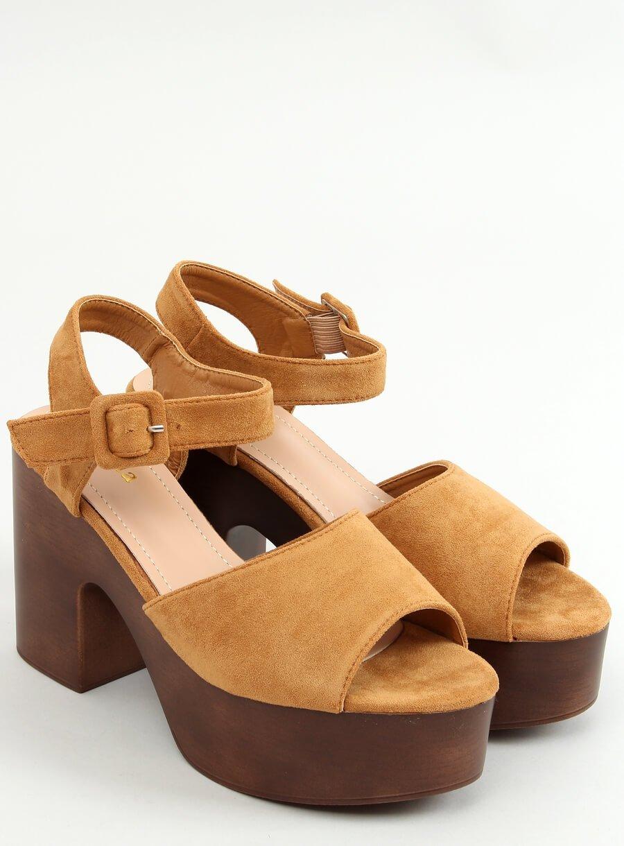 Hnedé sandále dreváky