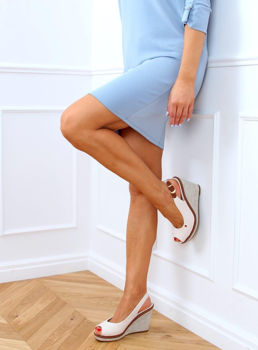 Sandále na béžovom kline