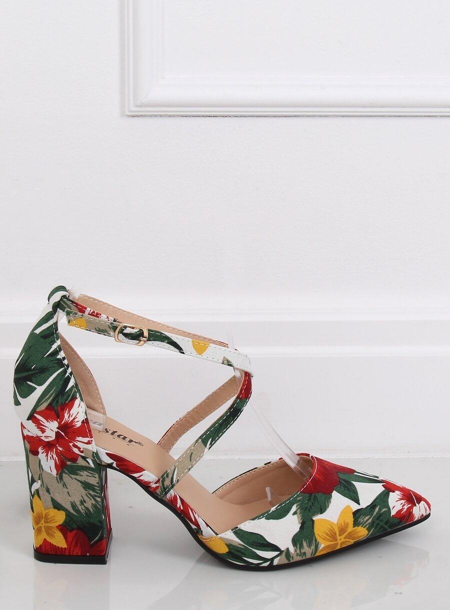 Kvetinové sandále