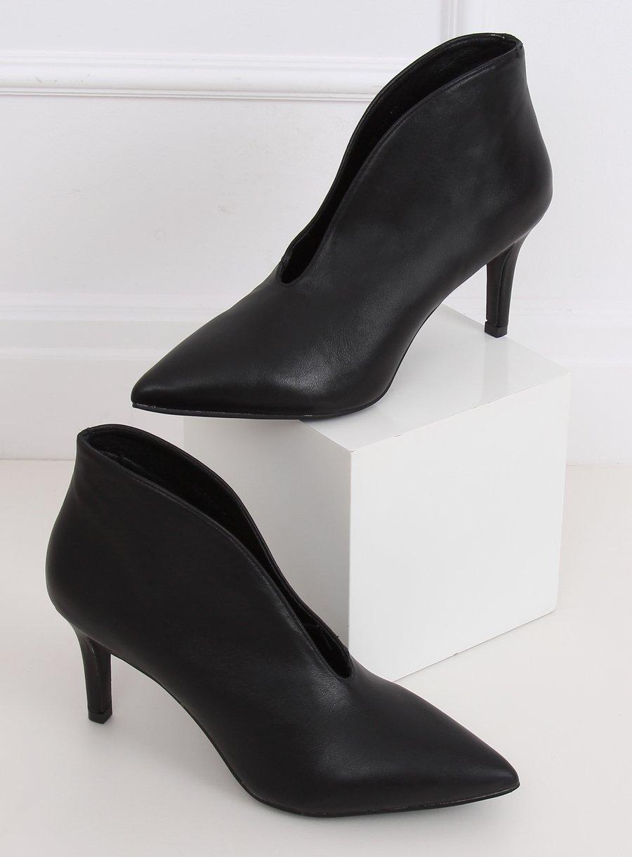 Kotníkove topánky na podpätku čierne