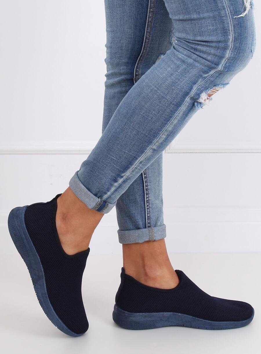 Športová obuv tmavo modrá