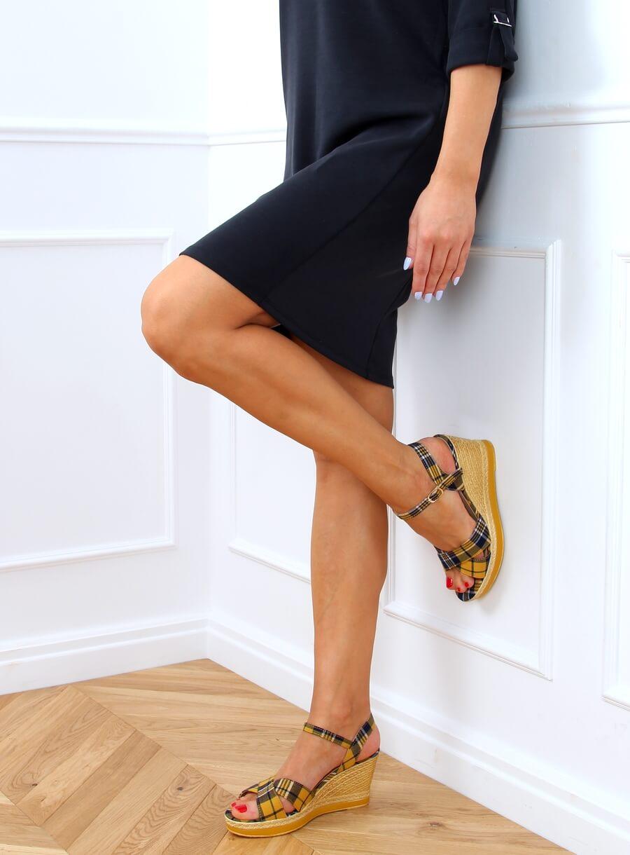 Žlté kockované sandále