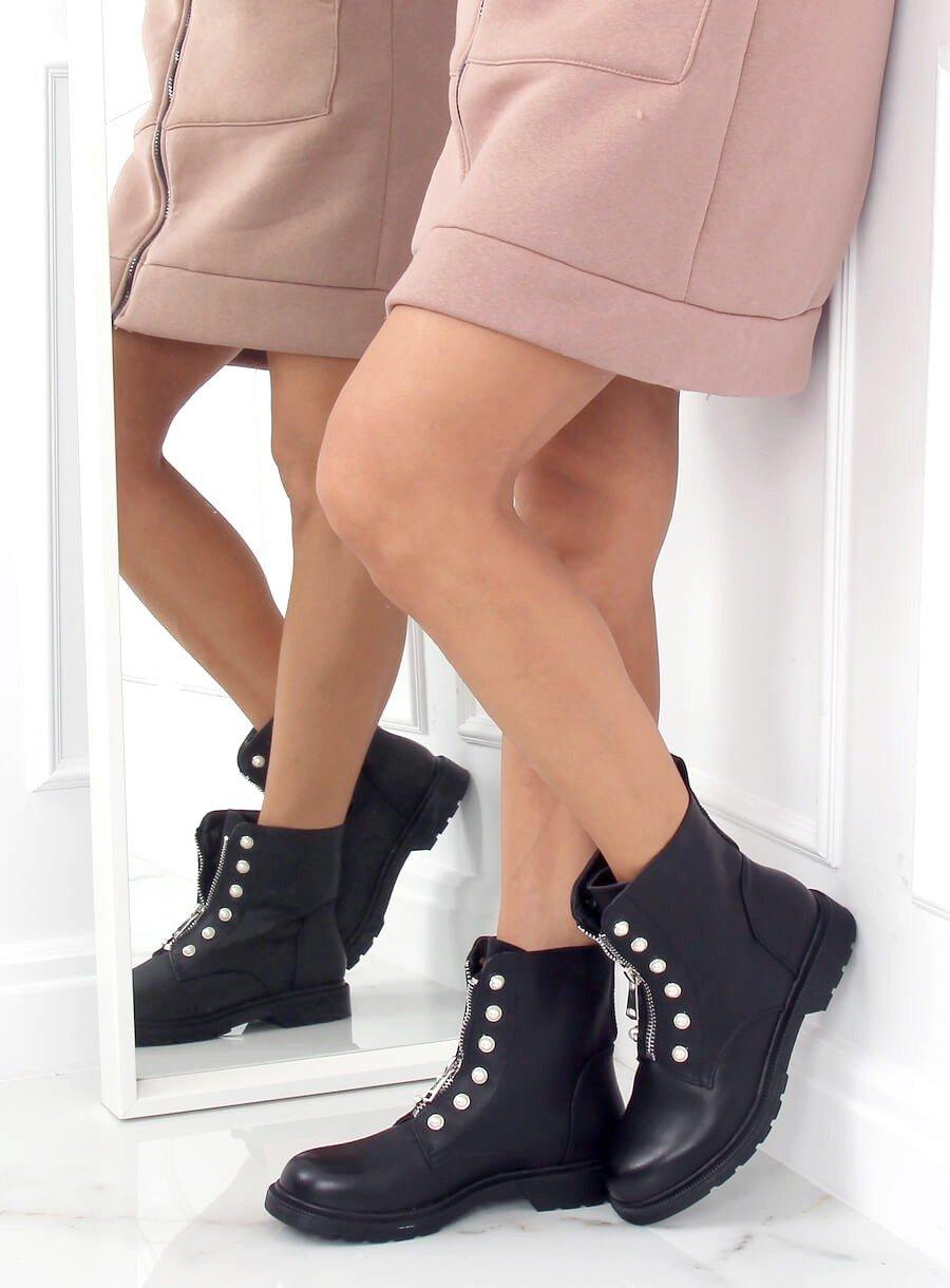 Čierne vojenské topánky s perlami
