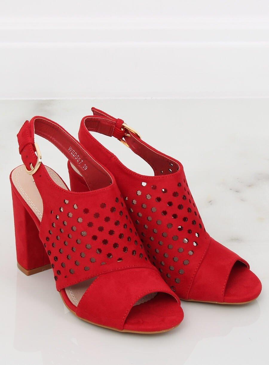 Mriežkované sandále červené