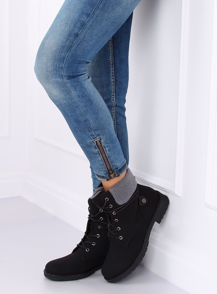 Čierne topánky s kožúškom
