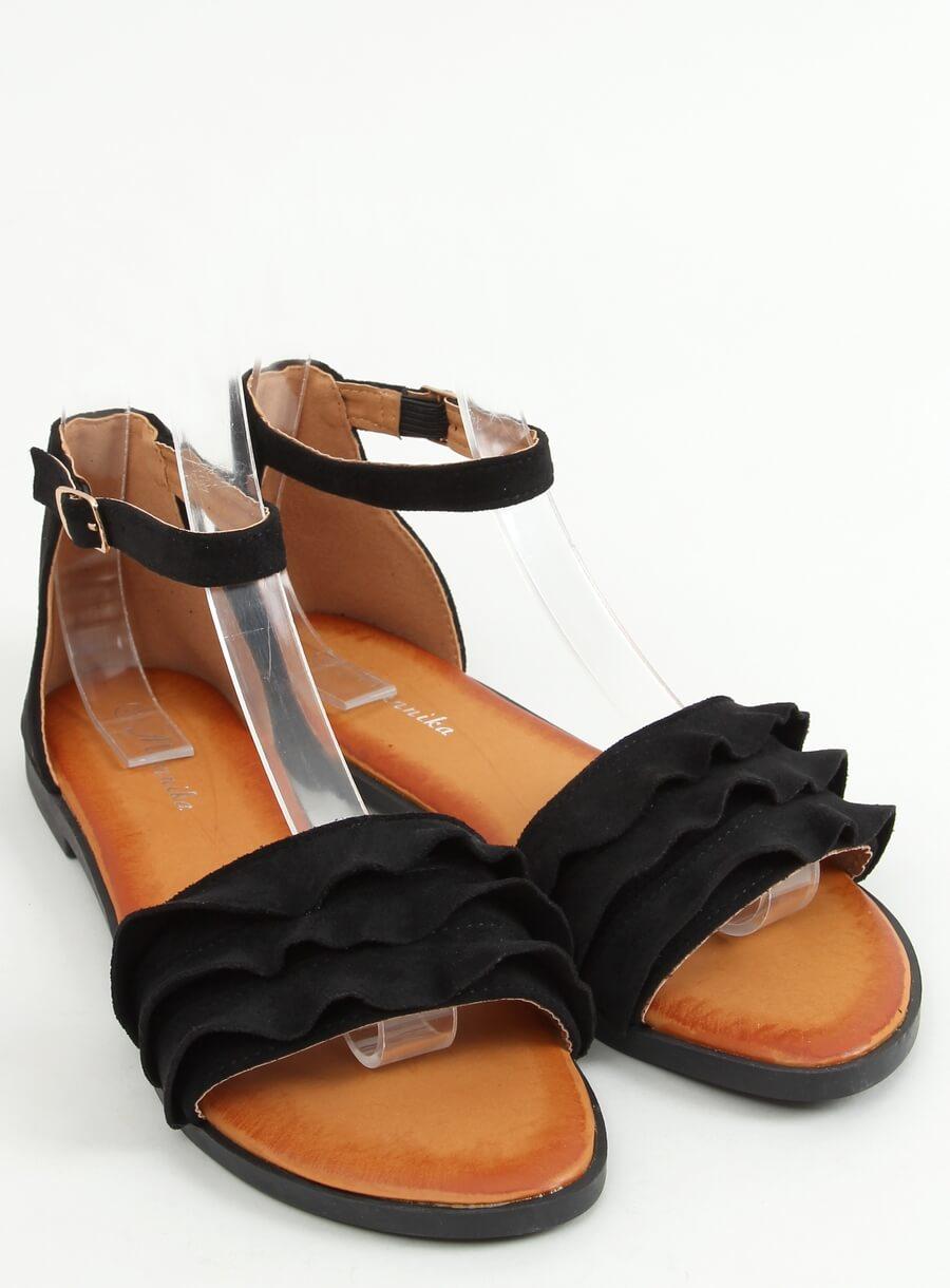 Čierne sandále s riaseným