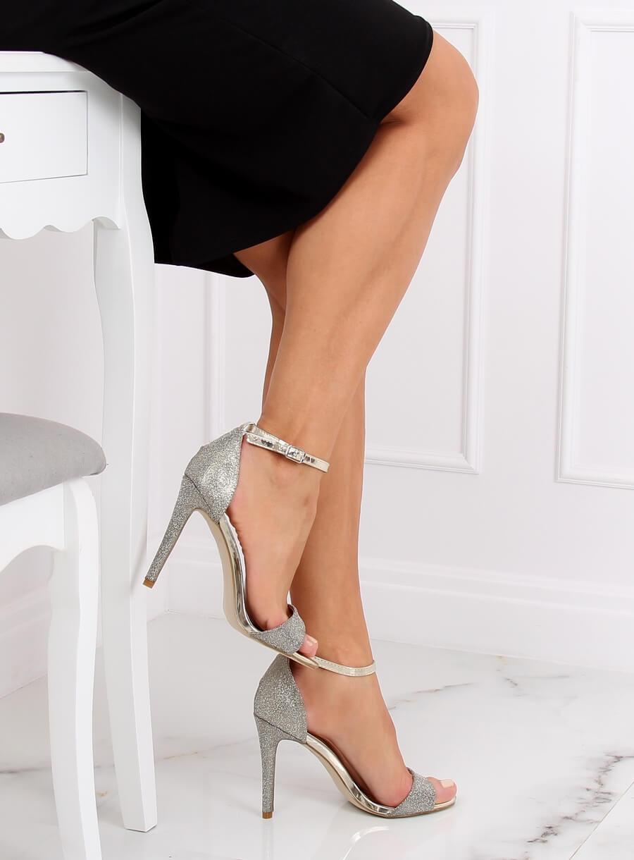 Zlaté sandalé