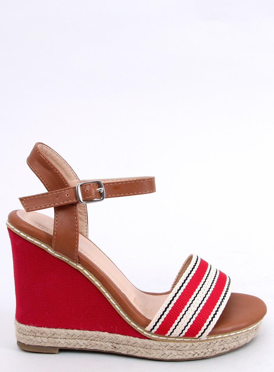 Sandále klinové