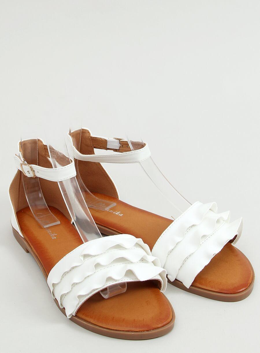 Biele sandále s riaseným
