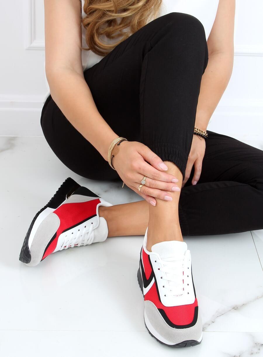 Viacfarebná športová obuv- červená