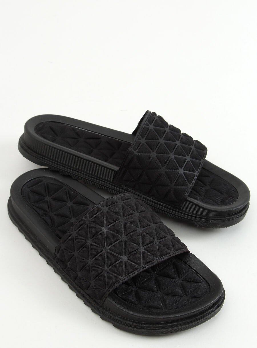 Čierne šľapky