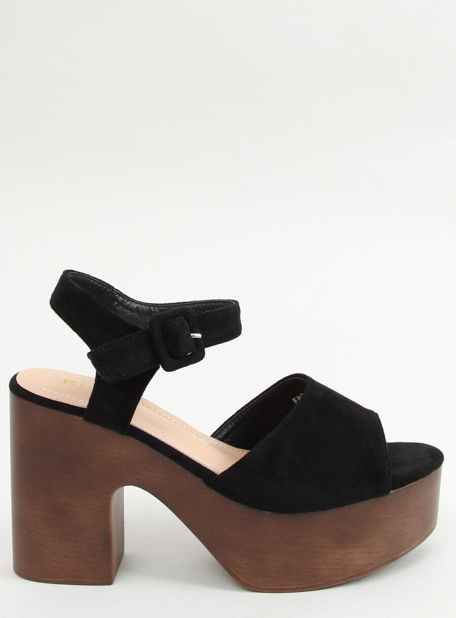 Čierne sandále dreváky