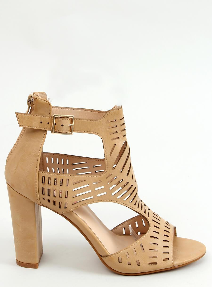 Béžové sandále na vysokom podpätku